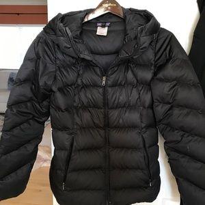 Patagonia black puffer ski jacket